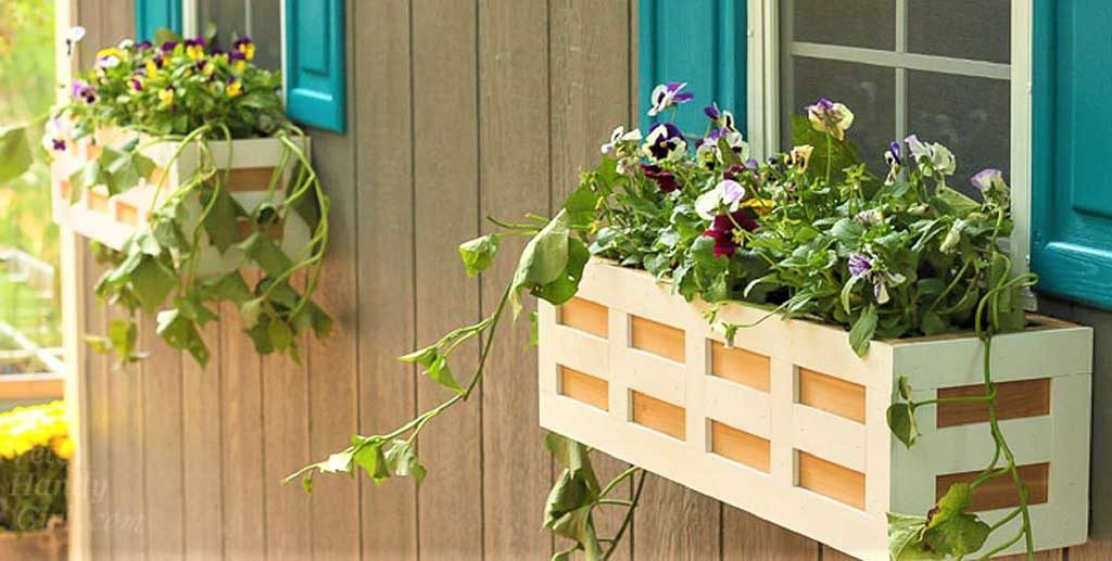 Flowerpot Holder as an Easy Small Wood Projects to Start With
